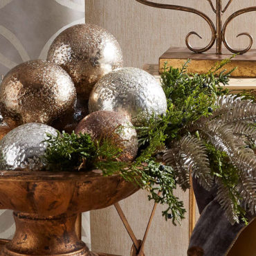 RAZ Imports is a wholesale importer of Seasonal Holiday Decorations and Home Accents. We sell Christmas, Easter, Spring, Halloween, Thanksgiving, and Fall decor, as well as a full line of everyday floral items.