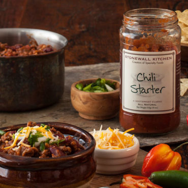 When it comes to chili, everyone seems to have a favorite and we think Stonewall Kitchen's delicious Chili Starter ranks with the best. Made with the finest vegetables and spices and ready to be added to meat, beans or both, it's quick, easy and perfect for lunch, dinner, parties or watching the big game.