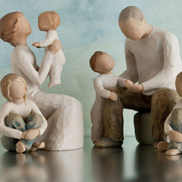 Willow Tree® is an intimate line of figurative sculptures that speak in quiet ways to heal, comfort, protect and inspire.